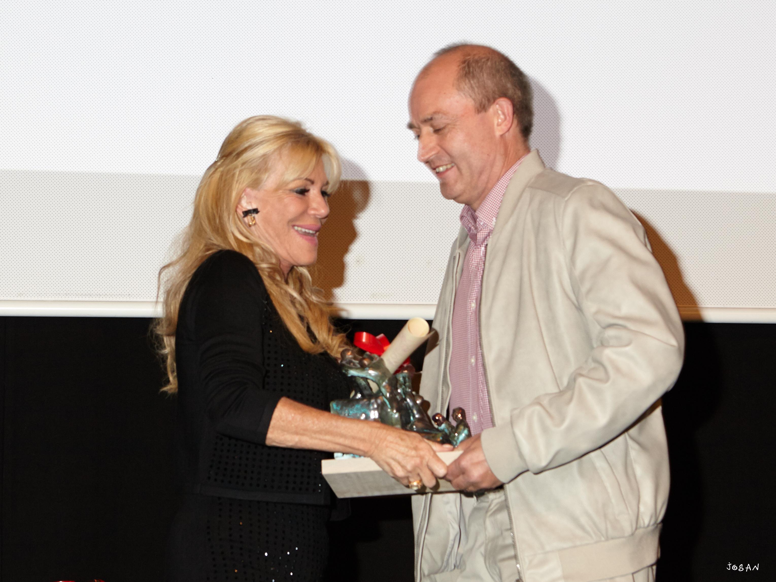 Premio a la Solidaridad otorgado por la Fundación Antonio Menchaca